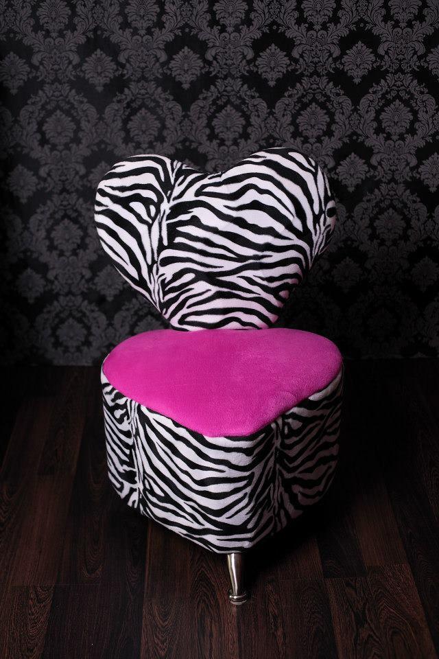 fun prop chair